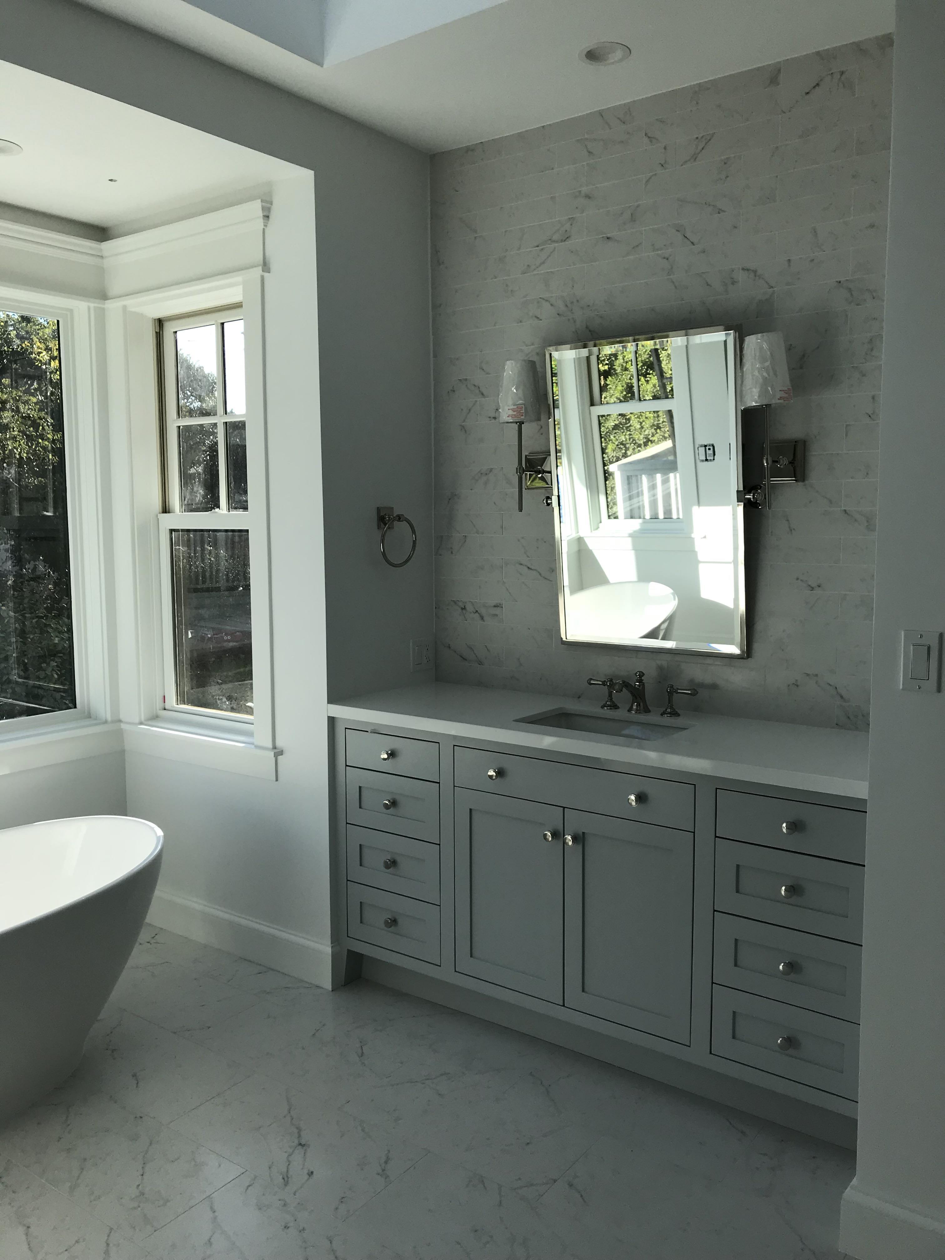 8 Drawer 2 Door Vanity