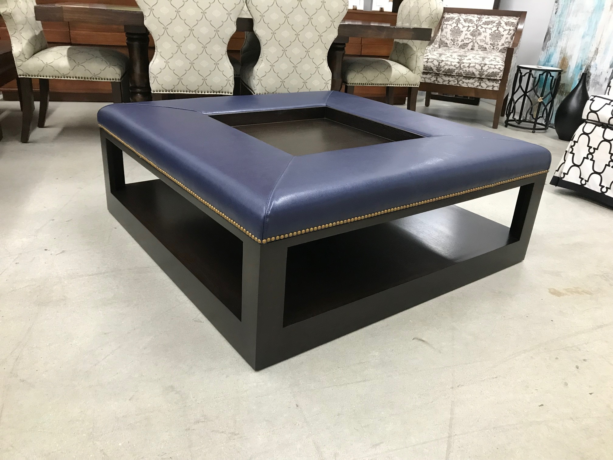 Benches Ottomans