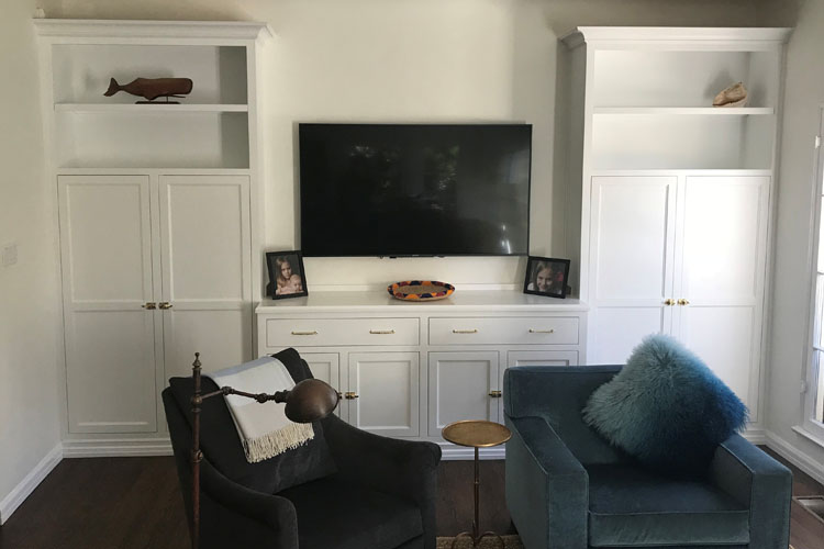 White-Wall-Unit-with-Side-Cabinets